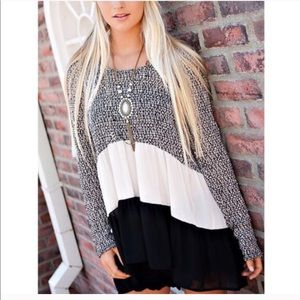 Sweaters - Black and white sweater shirt